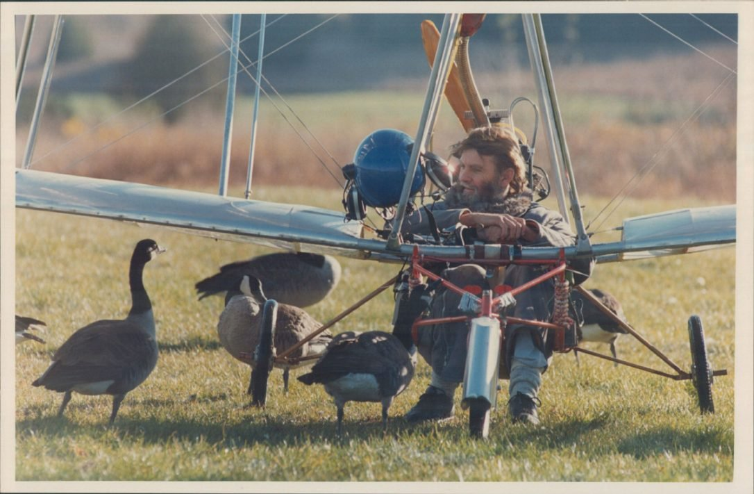 Ultralight Pilot Who First Led Geese Dies