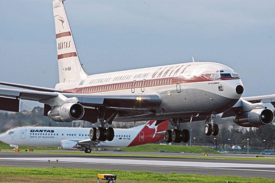 Travolta S 707 Donation Flight Delayed Avweb