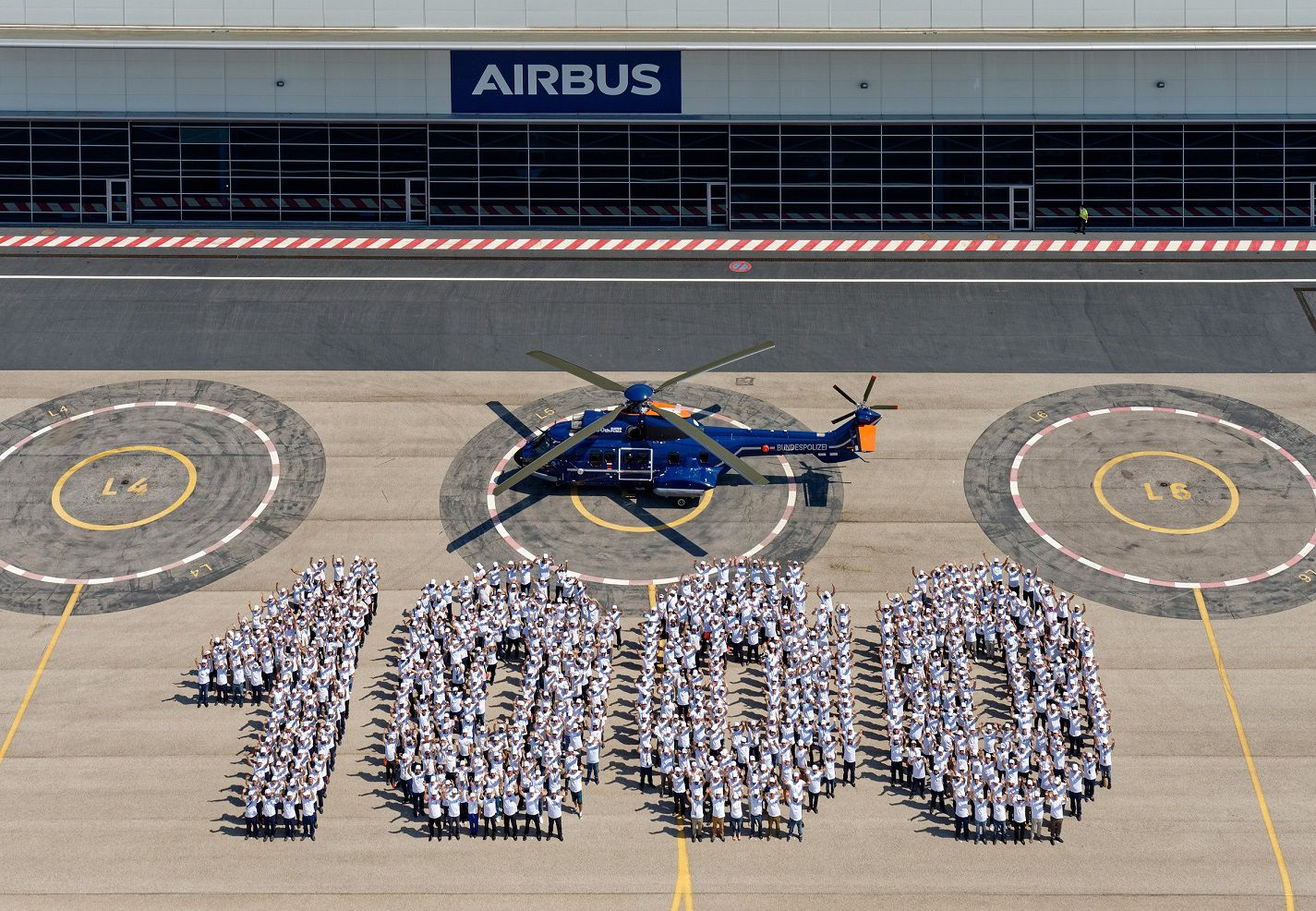 Airbus Delivers 1000th Super Puma