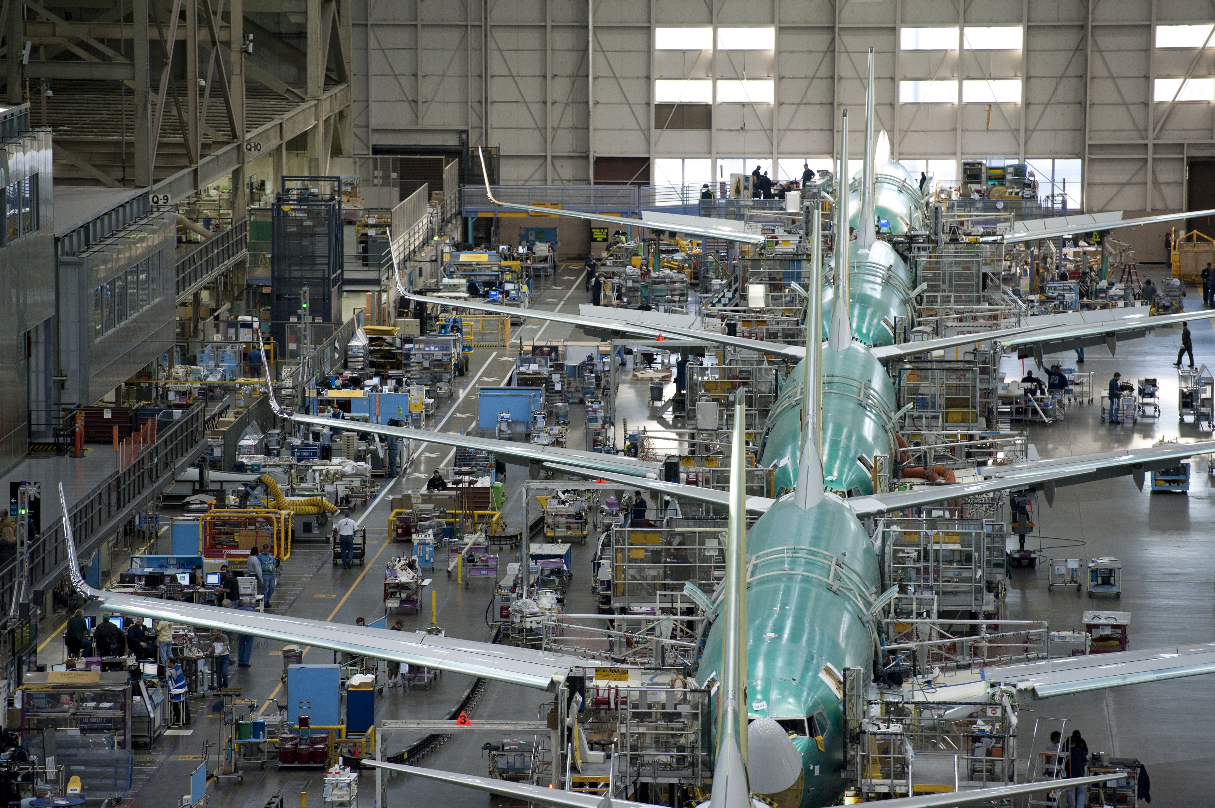 Boeing To Cut Workforce, Reduce Production
