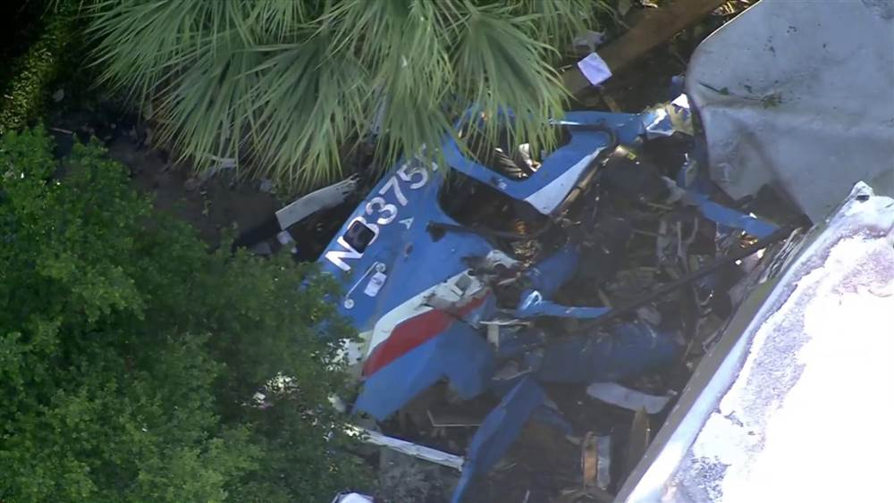 Houston police officers critically injured in helicopter crash